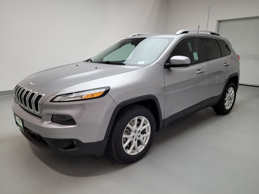 Used 2017 Jeep Cherokee Driver Front Bumper