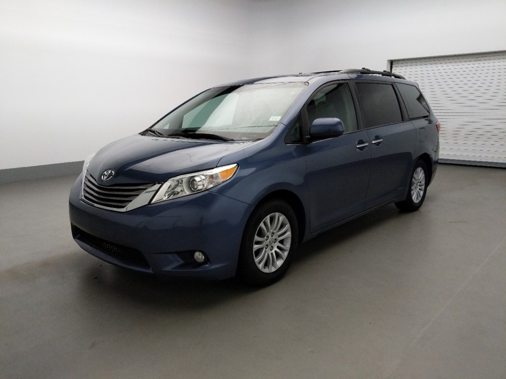 Used 2015 Toyota Sienna Driver Front Bumper