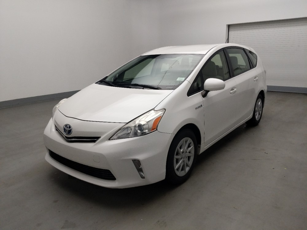Used 2014 Toyota Prius Driver Front Bumper