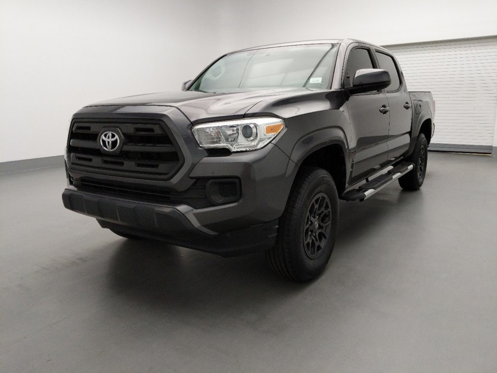 Used 2016 Toyota Tacoma Driver Front Bumper