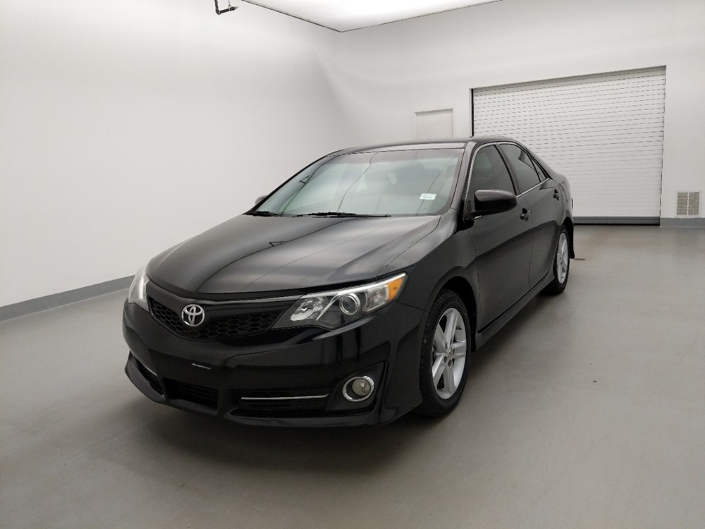 Used 2014 Toyota Camry Driver Front Bumper