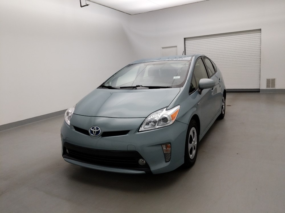 Used 2015 Toyota Prius Driver Front Bumper
