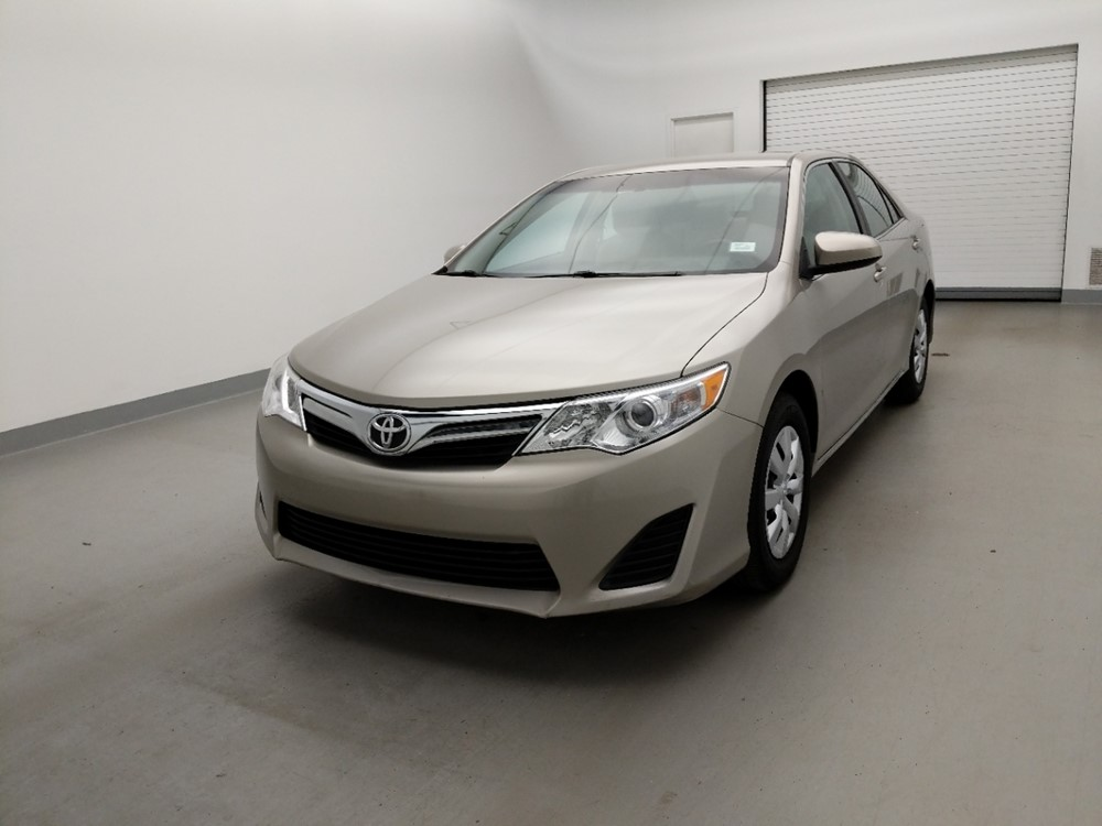 Used 2013 Toyota Camry Driver Front Bumper