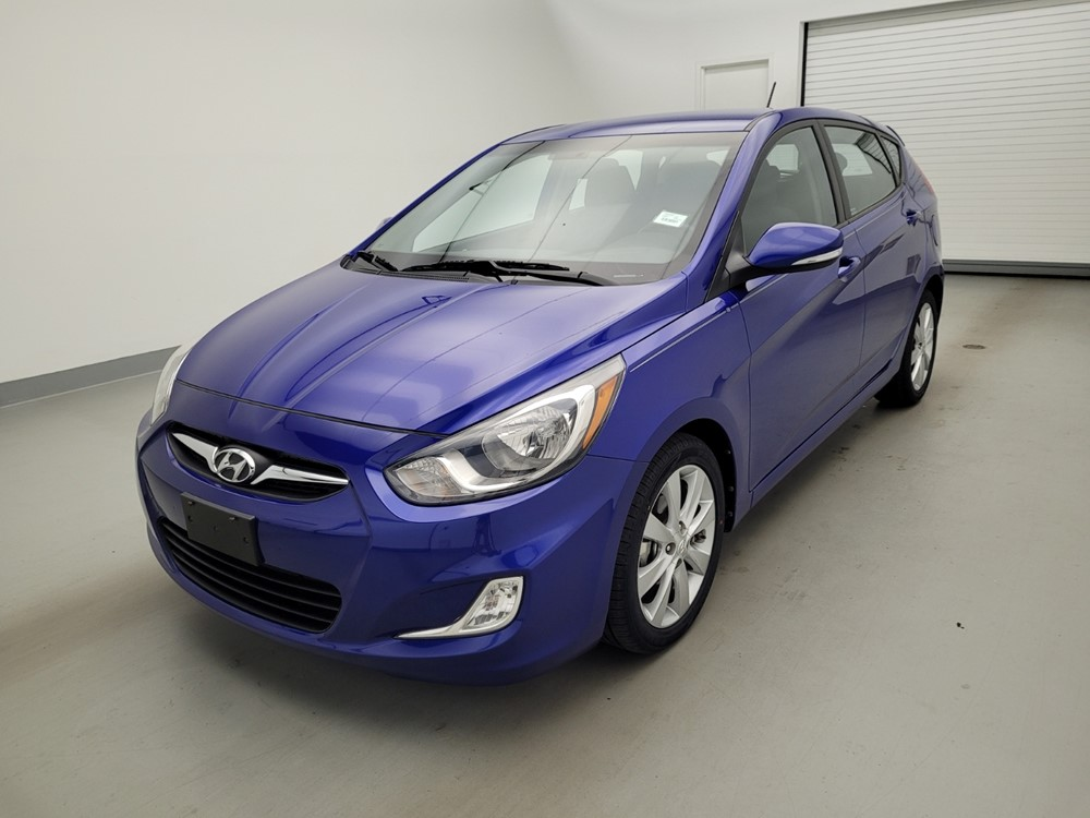 Used 2013 Hyundai Accent Driver Front Bumper