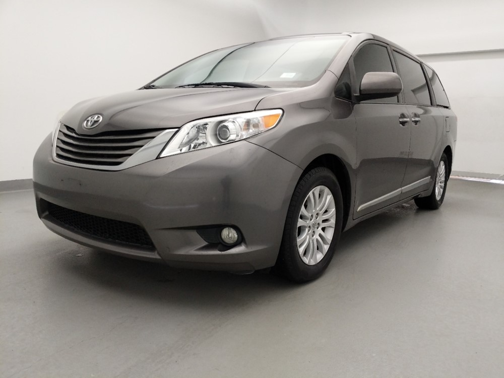 Used 2011 Toyota Sienna Driver Front Bumper