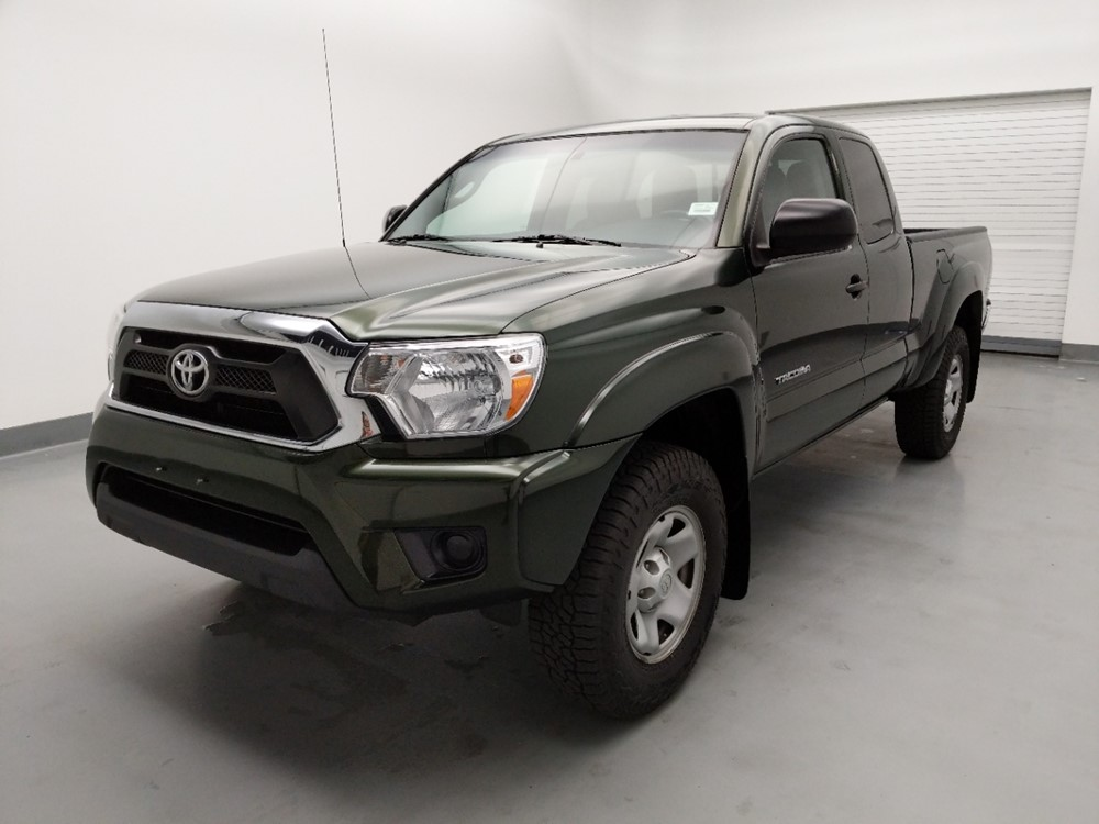 Used 2014 Toyota Tacoma Driver Front Bumper