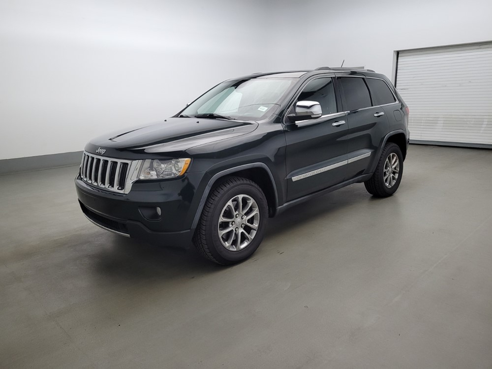 Used 2011 Jeep Grand Cherokee Driver Front Bumper