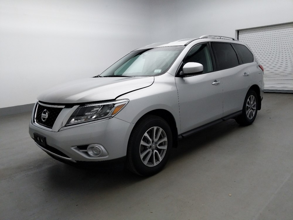 Used 2016 Nissan Pathfinder Driver Front Bumper