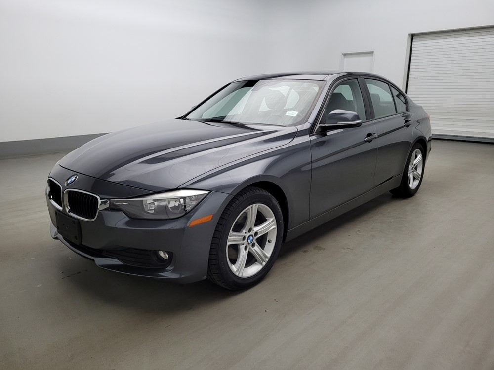 Used 2014 BMW 320i Driver Front Bumper