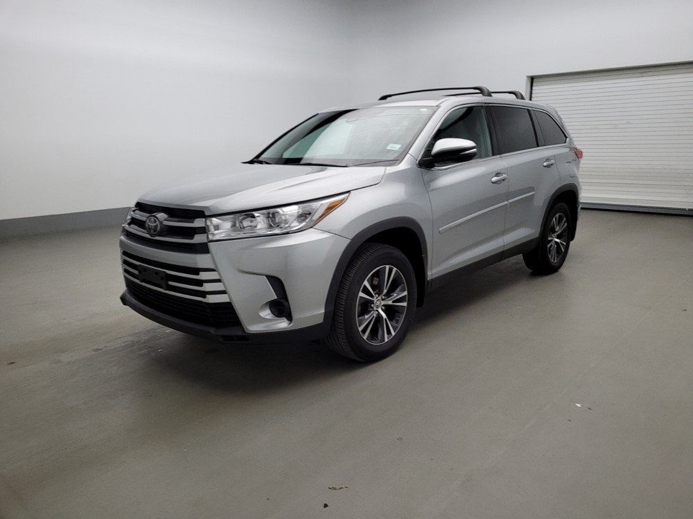 Used 2019 Toyota Highlander Driver Front Bumper