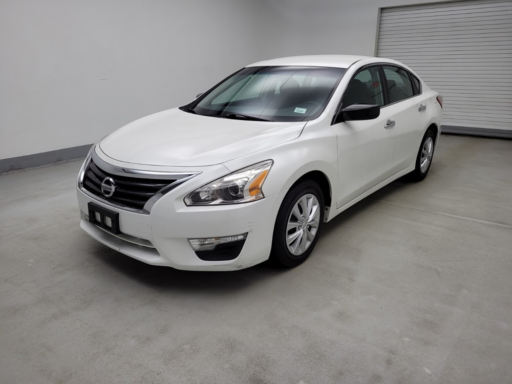 Used 2013 Nissan Altima Driver Front Bumper