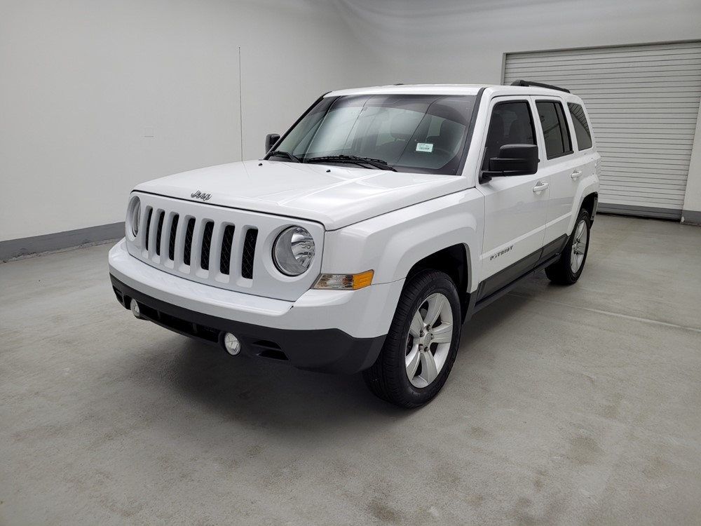Used 2014 Jeep Patriot Driver Front Bumper